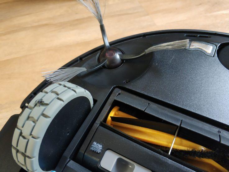 Ecovacs Deebot Ozmo 950 Saugroboter Reifen