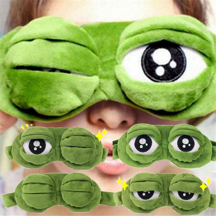 Frosch Schlafmaske angezogen