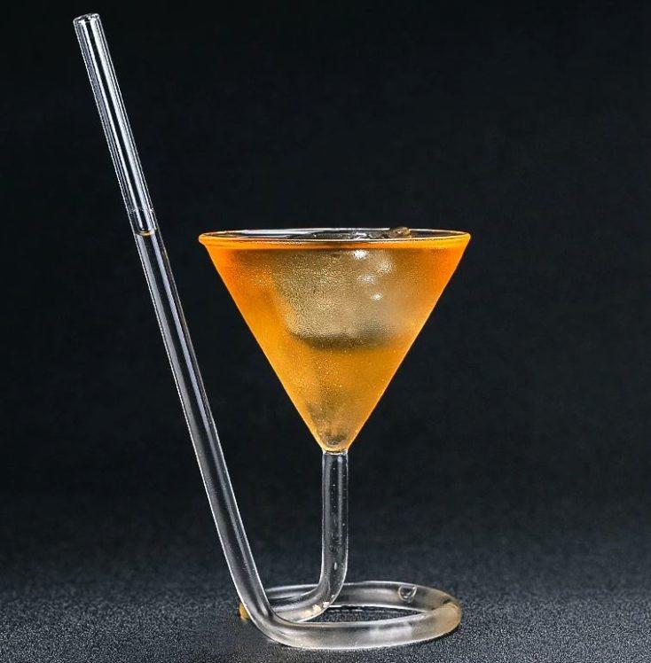 Gläser mit Strohhalm Eis