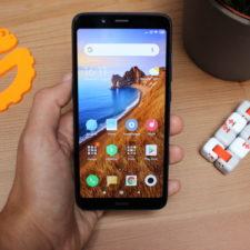 Redmi 7A Smartphone in Hand