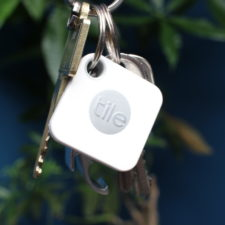 Tile Mate Bluetooth-Tracker am Schlüsselbund