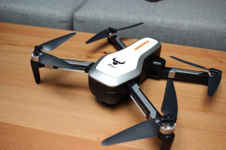 ZLRC Beast Drohne ausgeklappt