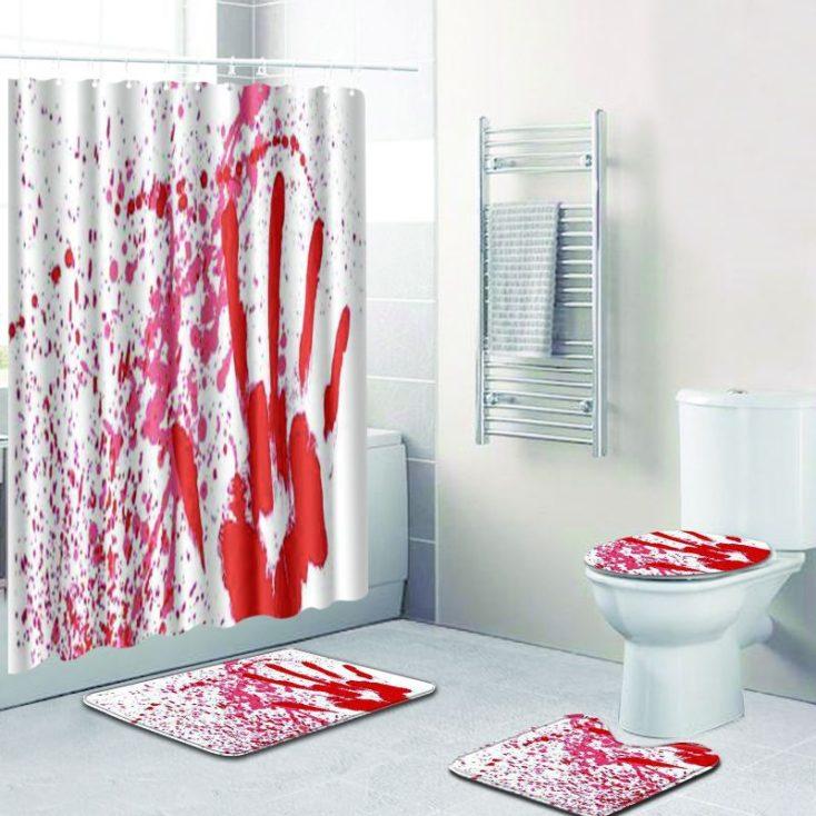 Blutige Badematte gesamtes Bad