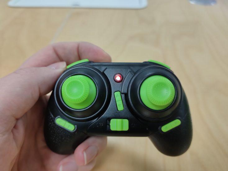 Fernsteuerung der Eachine E016H Mini-Drohne (schwarz mit grünen Tasten)