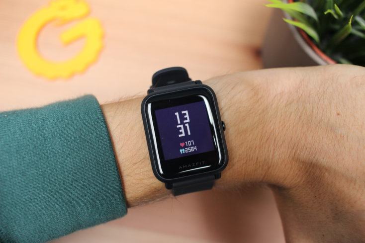 Huami Amazfit Bip Lite Smartwatch am Arm