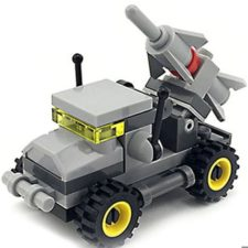 Mini-Militärfahrzeug mit Rakete