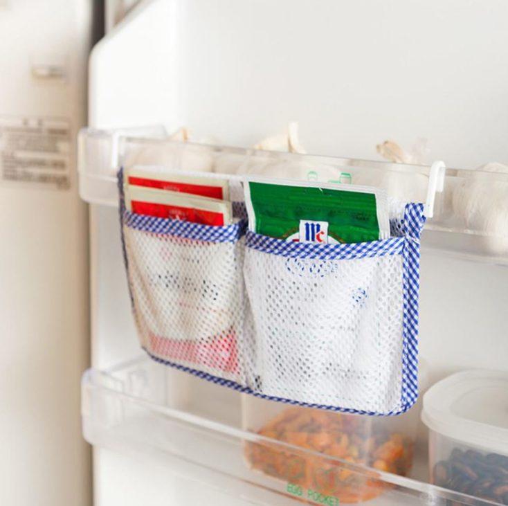 Netztasche-Kühlschrank mit Tüten-Soßen