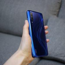 Xiaomi Mi 9 Lite Smartphone Blau Rückseite