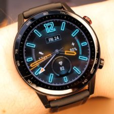 Honor_MagicWatch_2_am_Arm