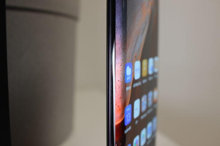 Huawei Mate 30 Pro Waterfall Display