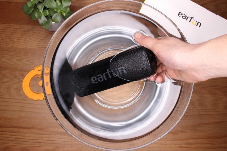 Earfun Go Wassertest