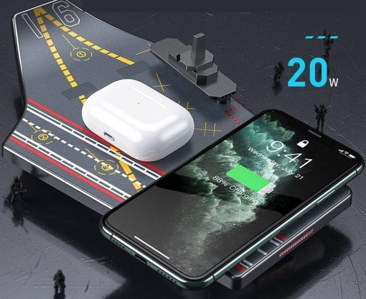 Baseus_Ladetraeger mit Smartphone und TWS.