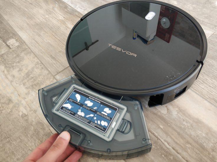 Tesvor M1 Saugroboter Staubkammer herausnehmen