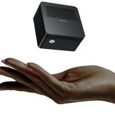 Chuwi LarkBox Computer in der Handflaeche