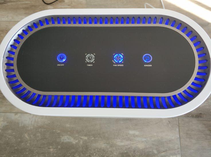 Geekbes Air Purifier Luftreiniger Bedienelemente blaues Leuchten