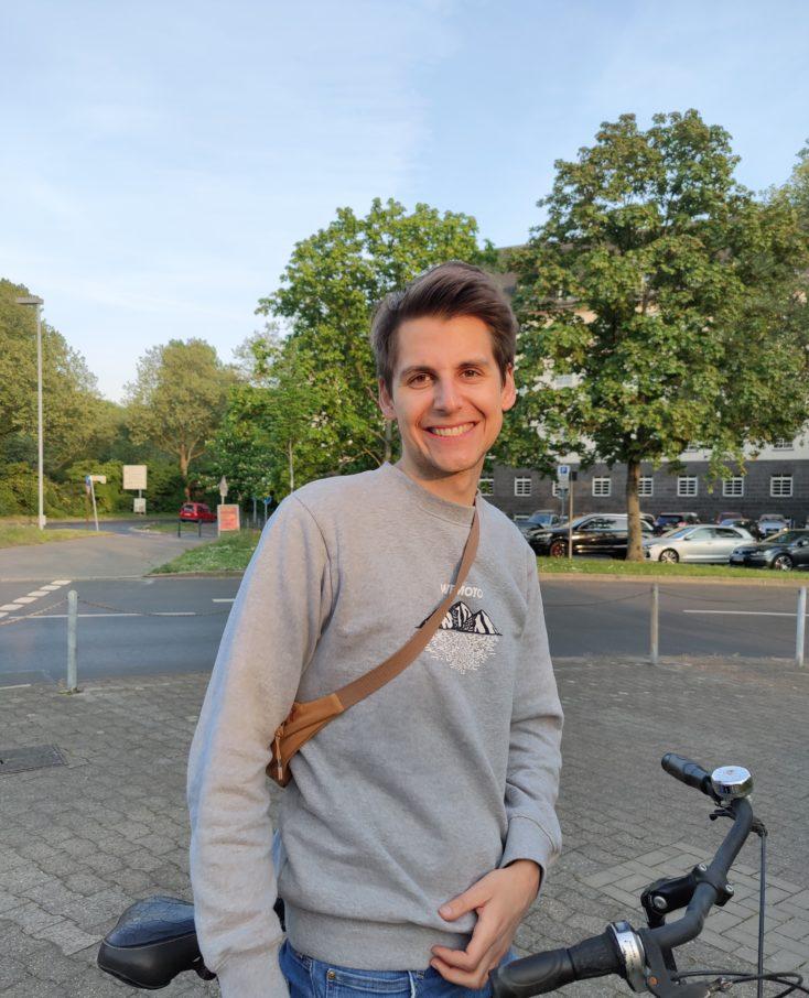 Oppo Find X2 Pro Testfoto Hauptkamera Person