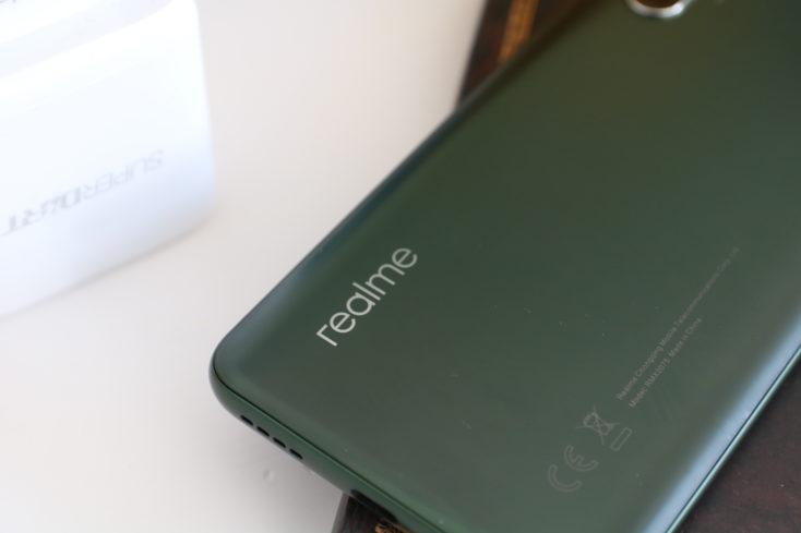 Realme X50 Pro Schriftzug