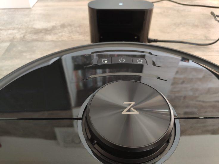Roborock S6 MaxV Saugroboter an Ladestation Akku aufladen