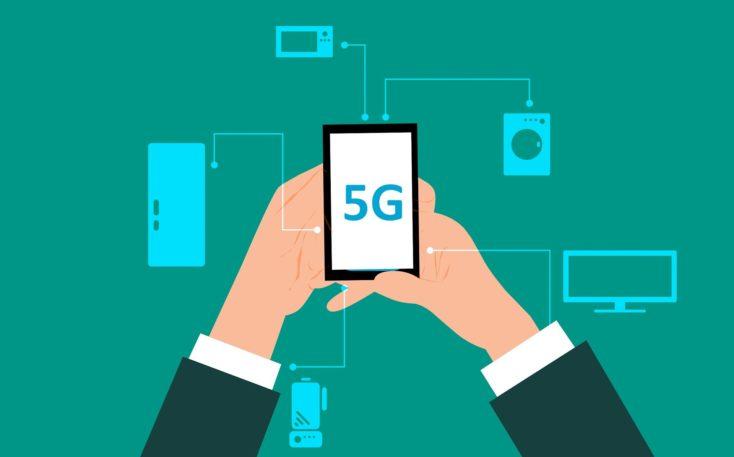 5G Smartphone Hand