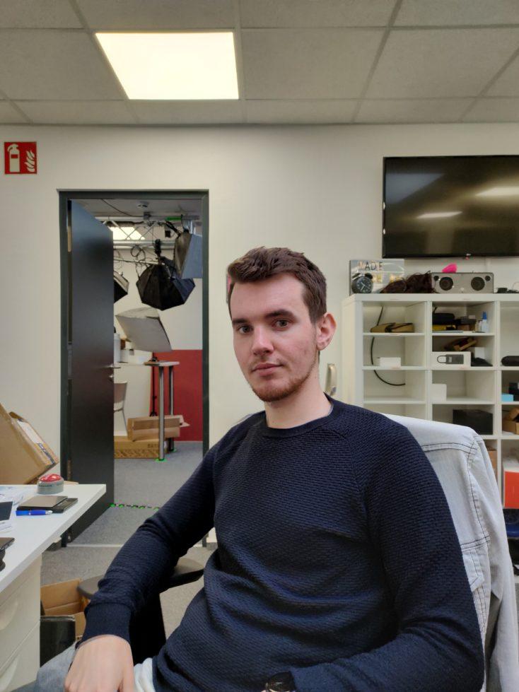 Realme 6 Pro Hauptkamera Testfoto Person Hauttoene