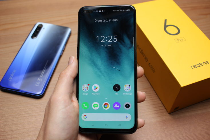 Realme 6 Pro Smartphone in Hand Display