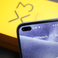 Realme X3 SuperZoom Punch Hole