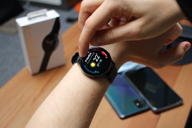 Samsung Galaxy Watch Active 2 digitale Luenette