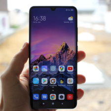 Xiaomi Mi Note 10 Lite Display draussen