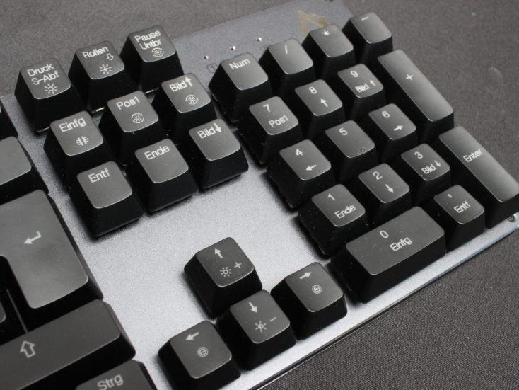 Aukey KM-G12 Tastatur Pfeiltasten