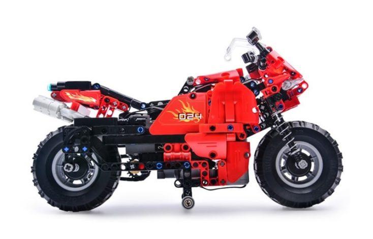 CaDA C51024 Motorrad 2