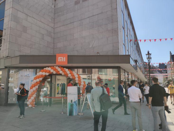 Xiaomi Store Schlange