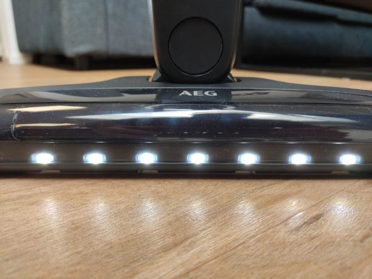 AEG QX9 Akkustaubsauger LED-Leuchten Bodendüse