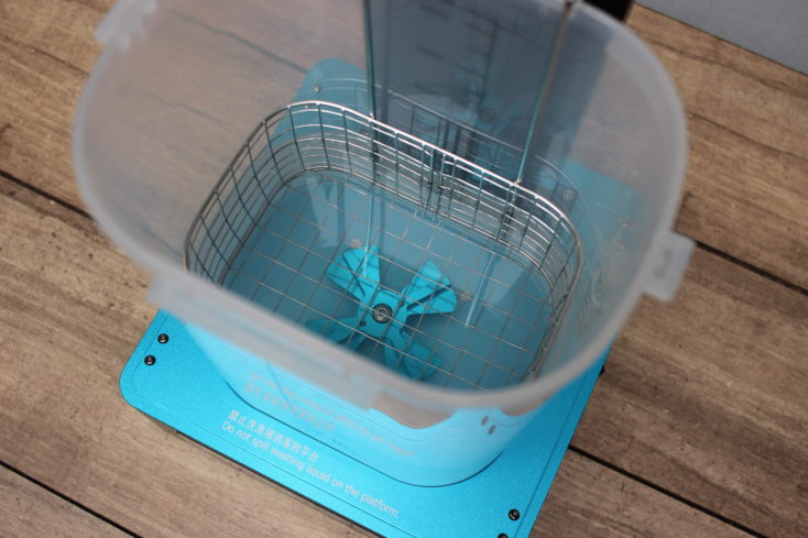 Anycubic Washing & Curing Machine - Blick von oben in den Tank