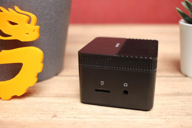 CHUWI LarkBox Computer seitliche Anschluesse