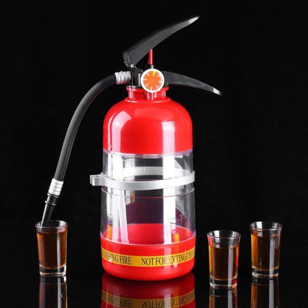Feuerloescher Bierflasche mit Shot