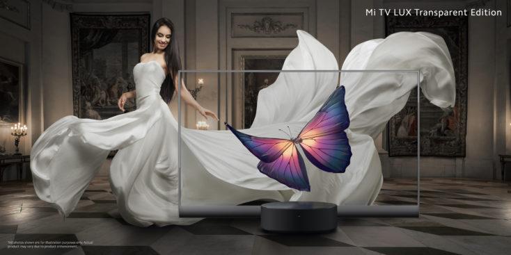 Mi TV Lux Transparent Edition Werbefoto mit Frau in weißem Kleid