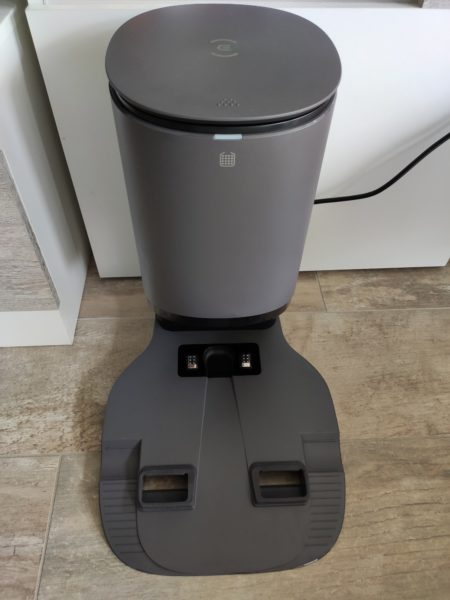 Ecovacs Deebot Ozmo T8 Saugroboter Absaugstation Design