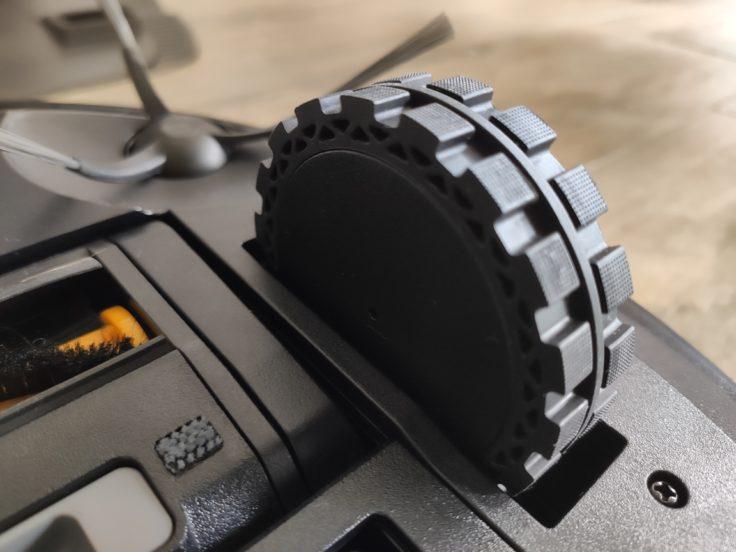 Ecovacs Deebot Ozmo T8 Saugroboter Reifen Unterseite
