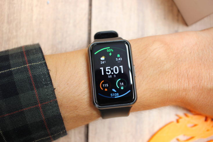 Huawei Watch Fit Smartwatch am Arm