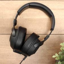 Razer Kraken X USB Headset auf dem Tisch