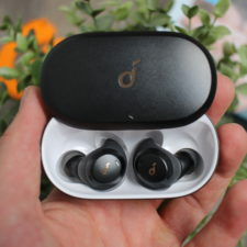 Soundcore Spirit Dot 2 in Ladebox