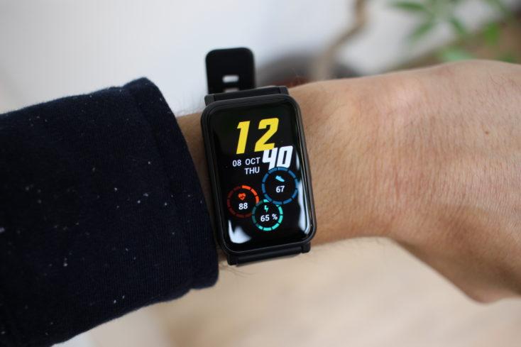 Honor Watch ES Smartwatch am Arm