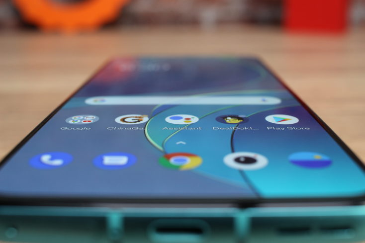 OnePlus 8T flaches Display