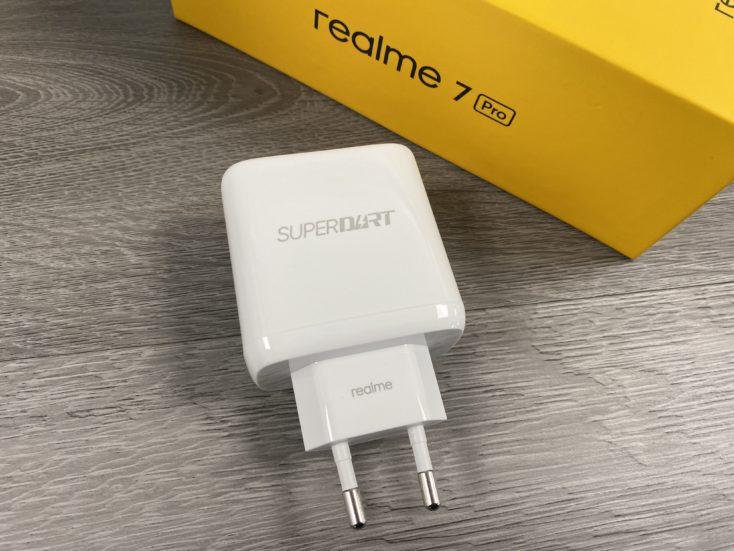 Realme 7 Pro 65W Ladegeraet rotated e1603967341246