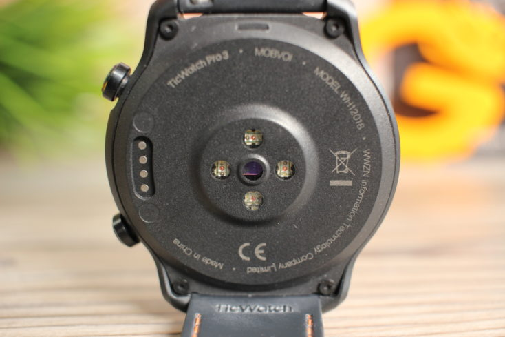 TicWatch 3 Pro Rueckseite Sensoren
