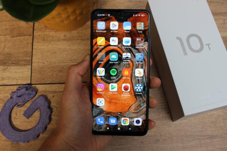 Xiaomi Mi 10T Lite Smartphone in Hand