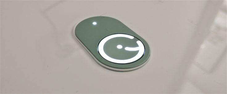 Yeedi K650 Saugroboter leuchtendes Logo Bedienelement