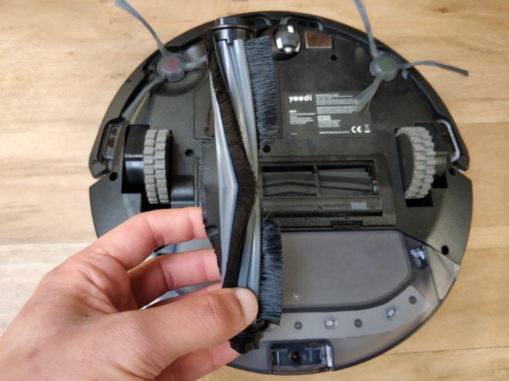 Yeedi K650 Saugroboter Unterseite Walze