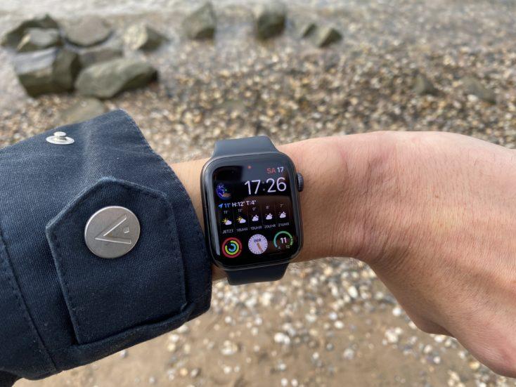 Apple Watch SE Display Lifestyle