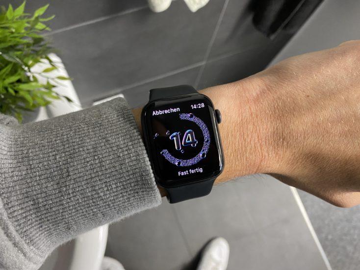 Apple Watch SE Haendewaschen